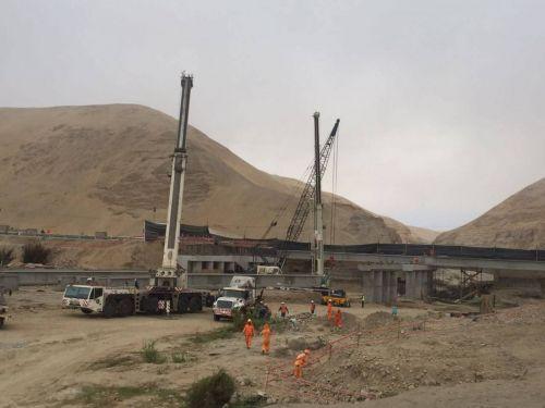 Montaje de vigas puente topará